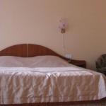 Кровать в 1-комнатном полулюксе корпус 3