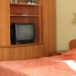 Кровать в 2-комнатном полулюксе корпус 3